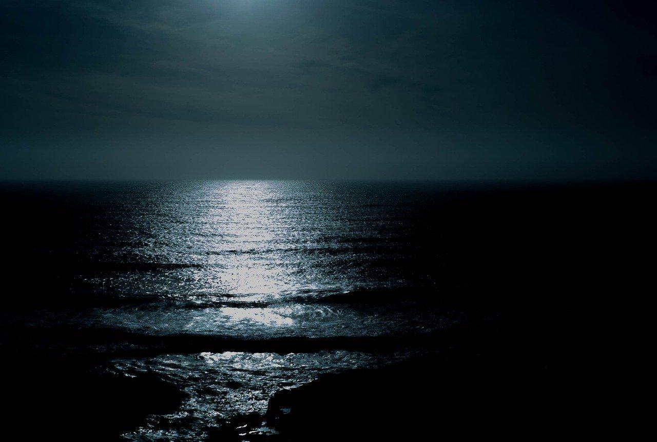 ocean-863142_1280.jpg