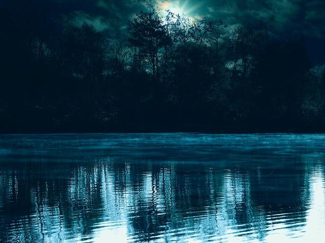 lake-2254240_640.jpg