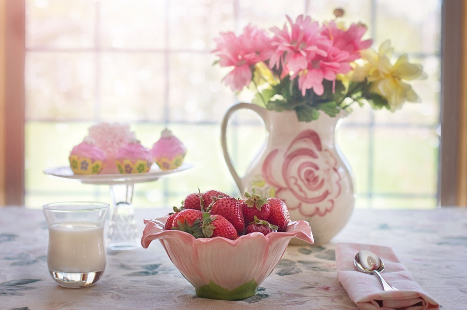 strawberries-in-bowl-783351_960_720.jpg